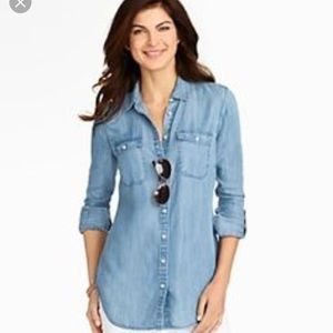 Old Navy Classic button-down long sleeve shirt
